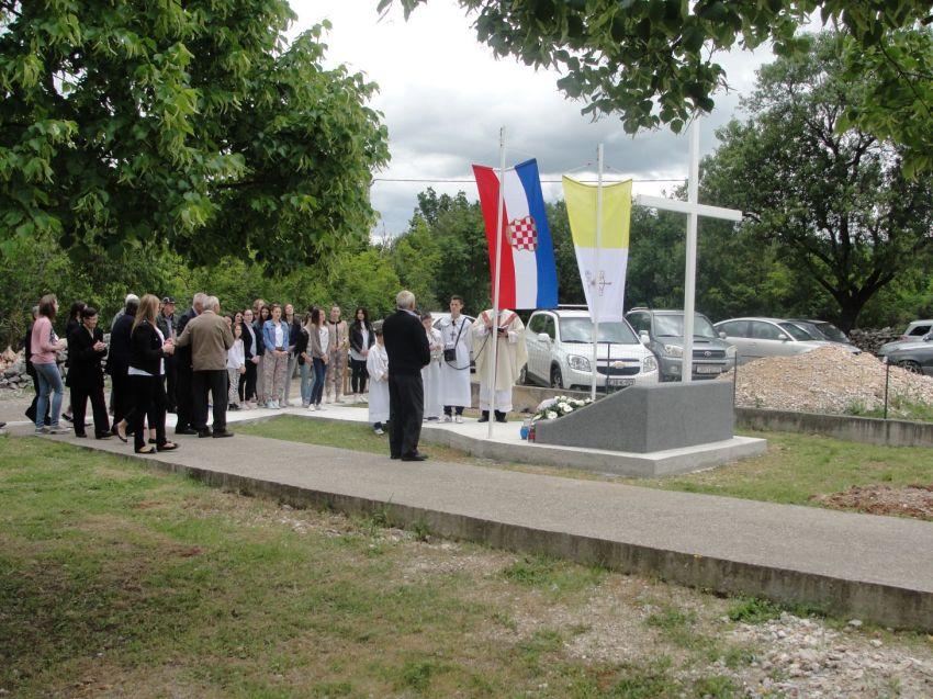 Stubica spomenik  zrtvama Drugog svjetskog rata 18.5.2014 (3)