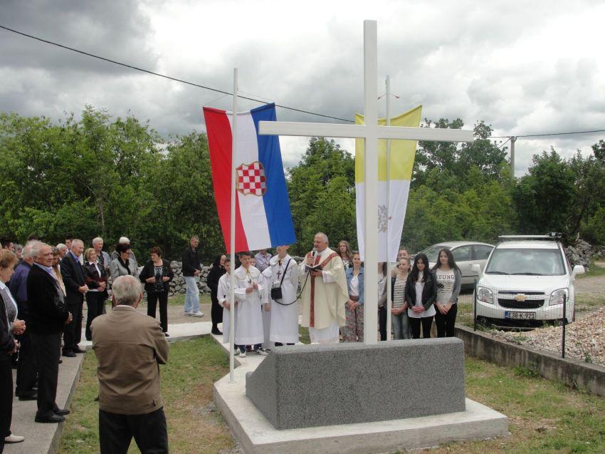 Stubica spomenik  zrtvama Drugog svjetskog rata 18.5.2014 (4)