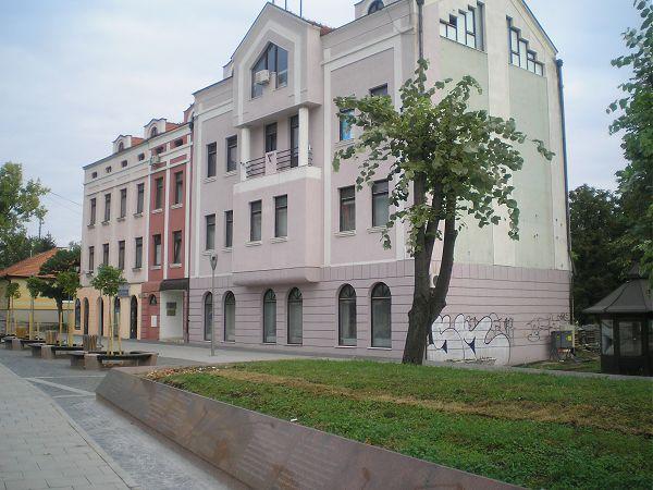 Župni stan u Tuzli otet, danas se u njemu nalazi Gospodarska komora