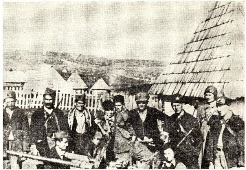 Kod Drvara rujan 1942. Slika je iz zbirke Muzeja povijesti Jugoslavije, te predstavlja nepobitan dokaz da su partizani zajedno sa četnicima napravili pokolje.