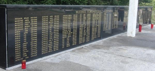 Spomenik bilajskim žrtvama u mjesnom groblju