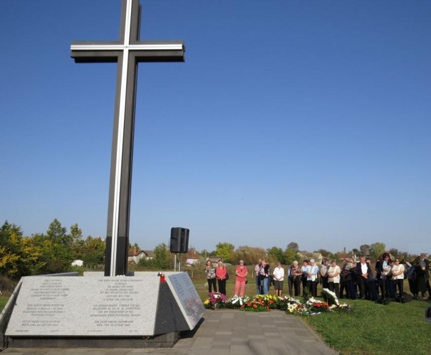 22945 - 70 godina stradanja Nemaca u logoru u Gakovu - 1