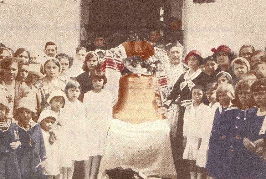ILIJA VIOLONI BRČANSKI ŽUPNIK LIKVIDIRAN 1945. Zvono-brc48dko-na-slici-ilija-violoni