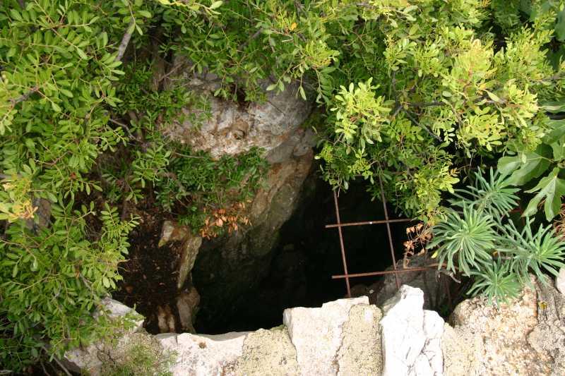 Jama na otoku Žirju 2