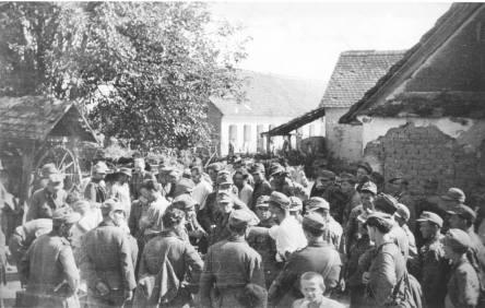 3. Domobrani koji su se predali, u Slavonskoj Požegi, rujna 1944.