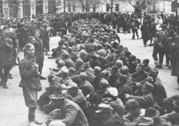 89. Zarobljeni Hrvati u Brčkom 1944. Svi zarobljeni sa fotografije su strijeljani kod Savskog mosta i u Savu bačeni!
