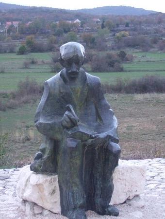 Spomenik u čast Ivanu Sopti u Rasnom