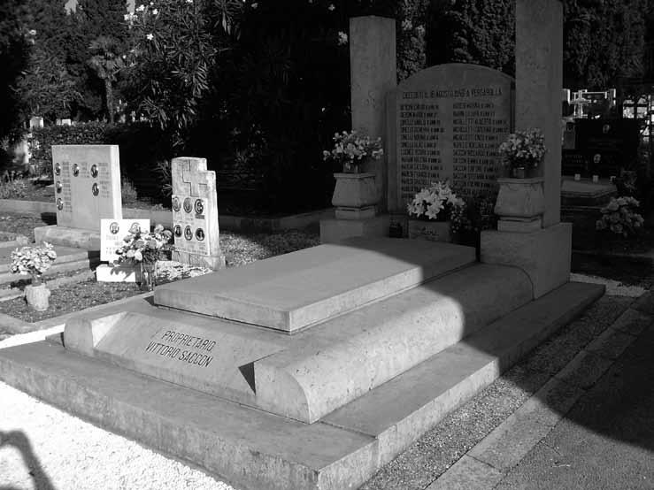 Zajednička grobnica neprepoznatih žrtava na Gradskome groblju u Puli u grobnici