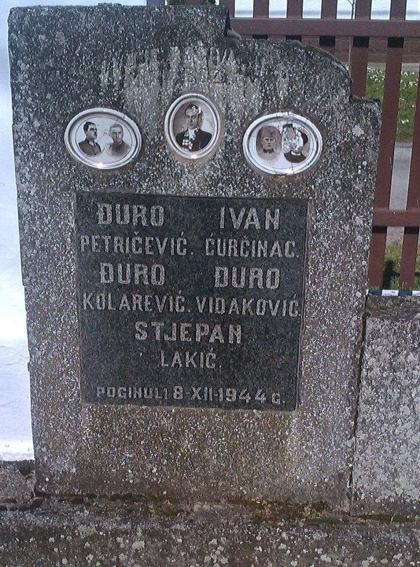 Grob i spomenik ubijenim domobranima u dvorištu svetišta Gospe Ilačke