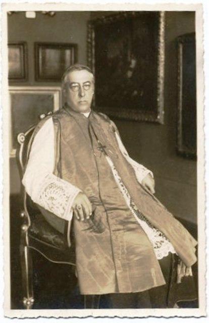 Biskup Josip Carević sl.4