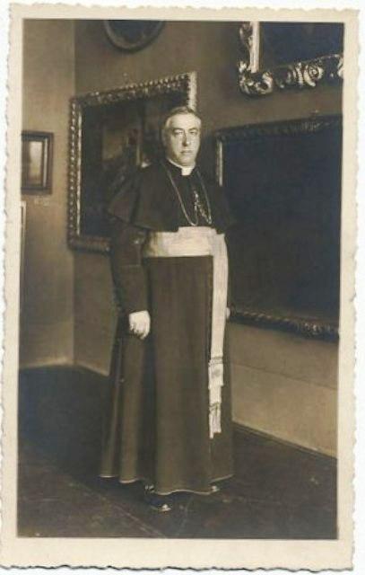 Biskup Josip Carević sl.5