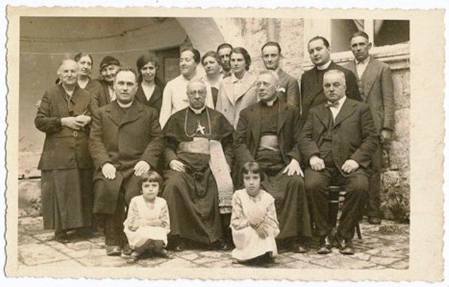 Biskup Josip Carević sl.6