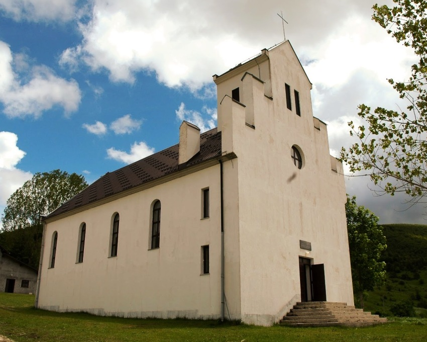 Nova crkva u Rastičevu