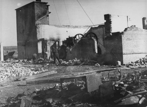 Posljedice zračnog napada na radni logor Jesenovac