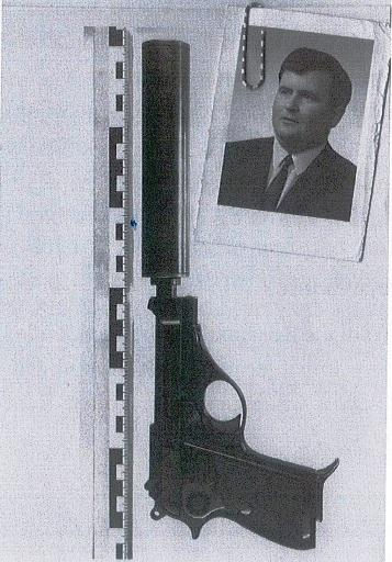 Gojko Bošnjak i policijska snimka pištolja iz kojeg je trebao biti ubijen!