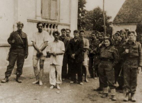 Zarobljeni hrvatski vojnici u podravskom Kloštaru listopad 1944 godine.